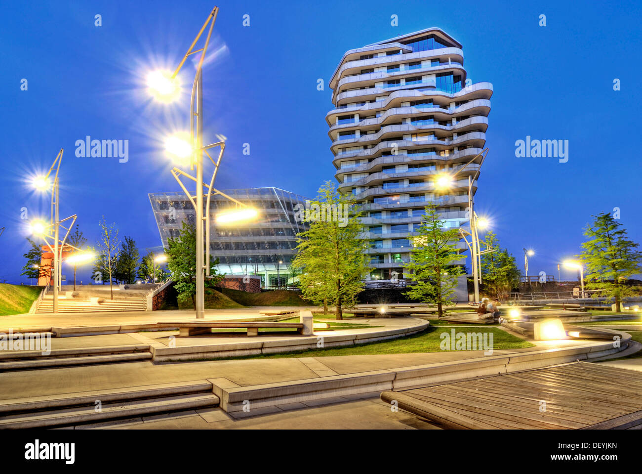 Marco-Polo-Tower, residential highrise at Strandkai, Hafencity quarter, Hamburg - Stock Image
