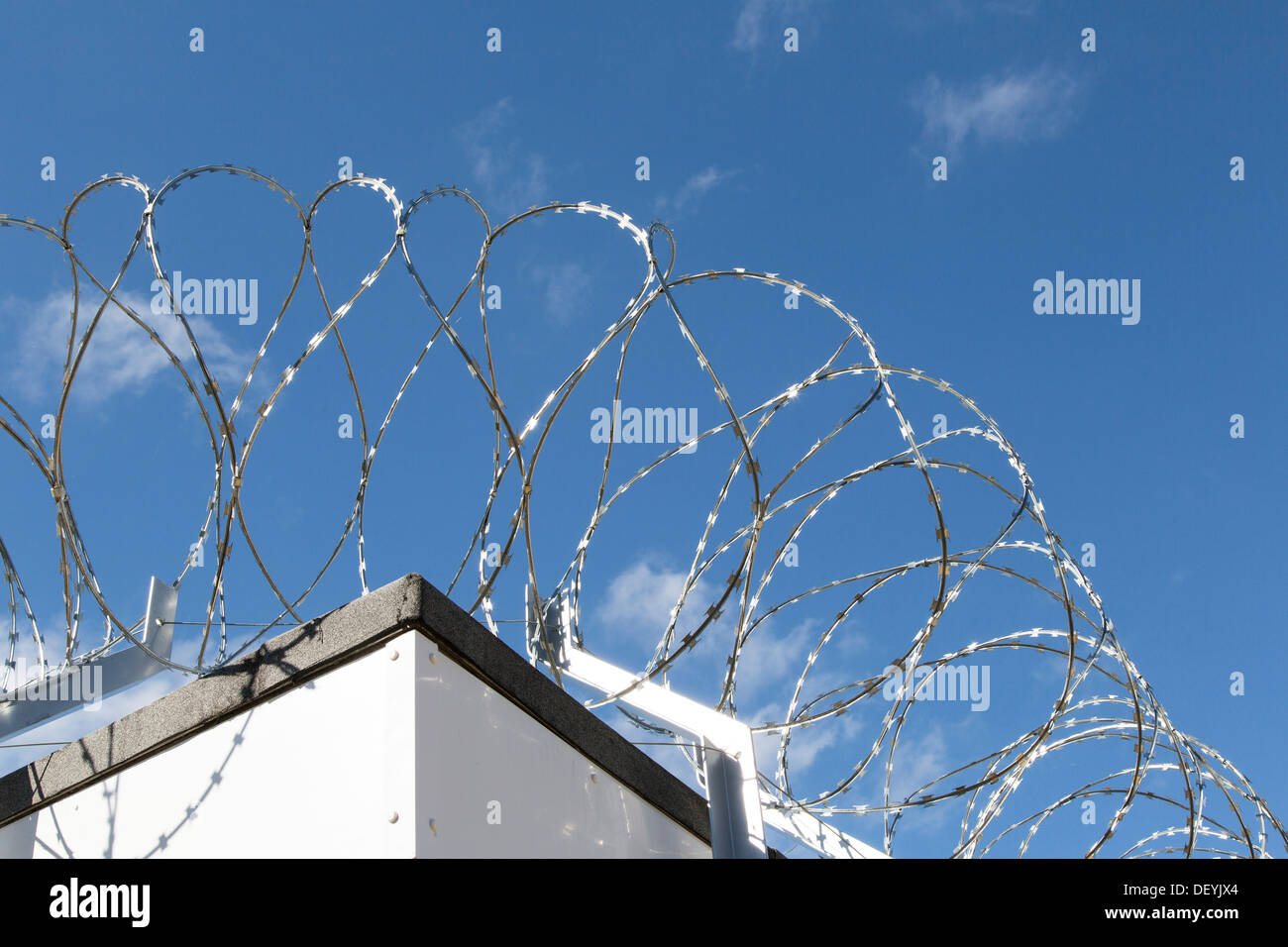 Old Fashioned Razor Wire Bra Pictures - Electrical Diagram Ideas ...