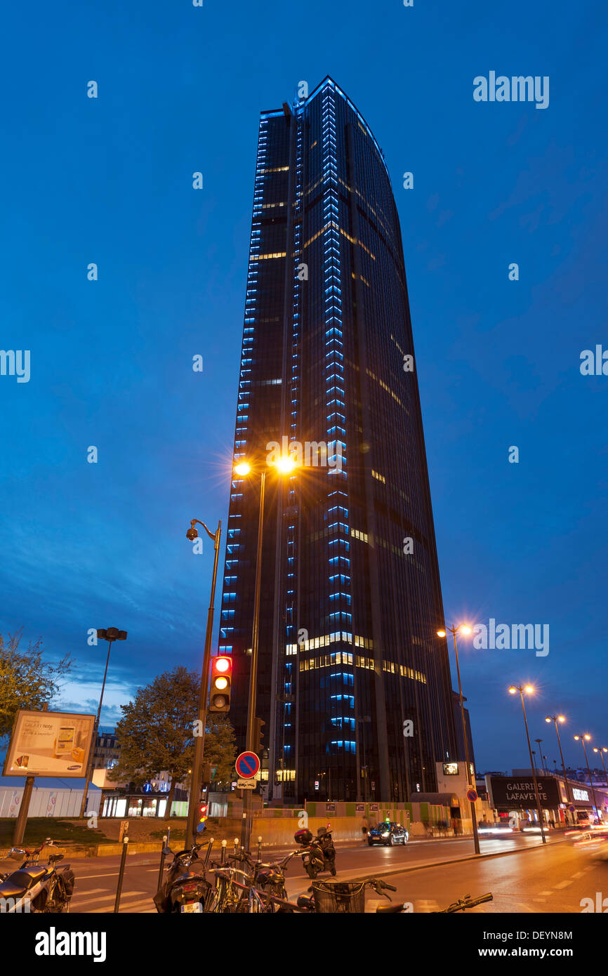 montparnasse tower stock photos montparnasse tower stock images alamy. Black Bedroom Furniture Sets. Home Design Ideas