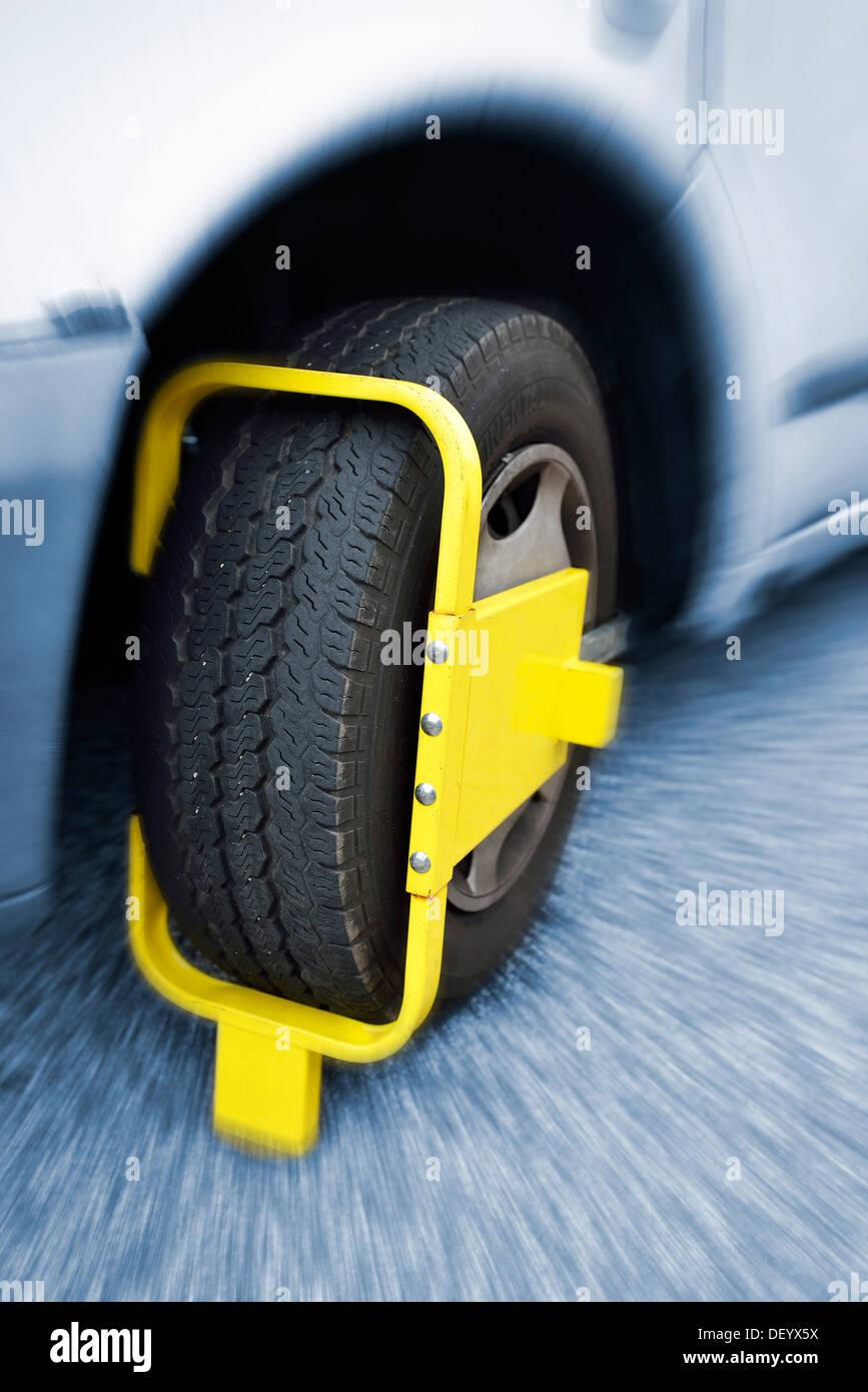 Wheel clamp on a motor vehicle, car, Hamburg Kirchwerder, Hamburg, Hamburg, Germany - Stock Image