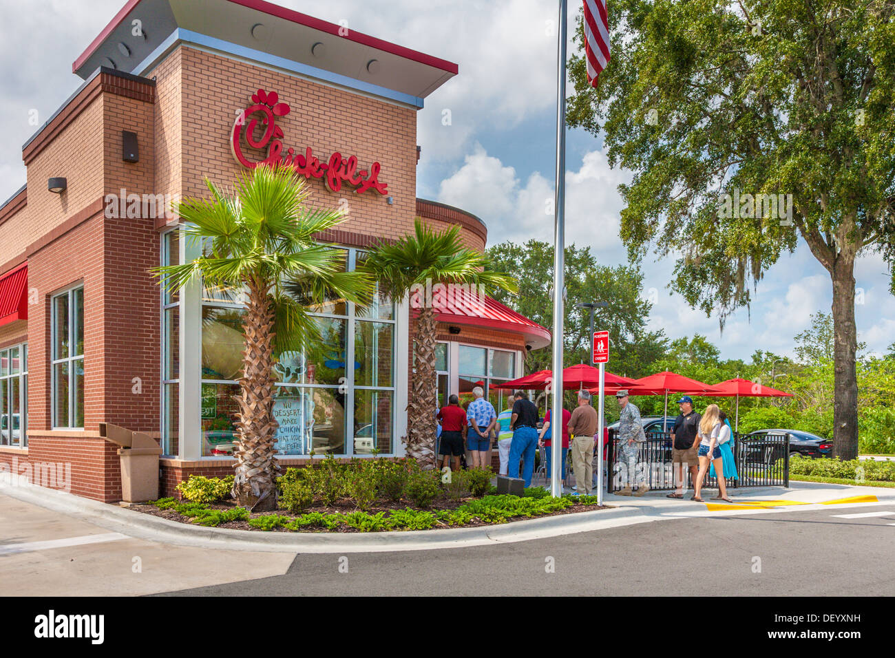 Customers line up out the door at the Chick-fil-a fast food restaurant in Ocala, Florida in support of Christian values - Stock Image