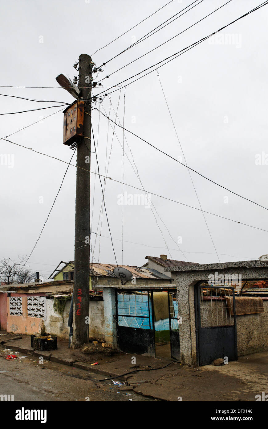 Electricity burglary, ghetto, Romani, Roma quater, Valdislavovo, Varna, Bulgary, Europe - Stock Image