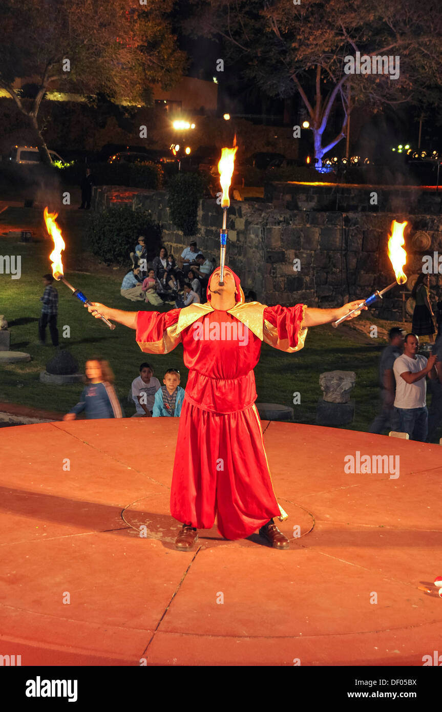 Street performer, fire juggler, Tiberias, Israel, Middle East, Southwest Asia, Asia - Stock Image