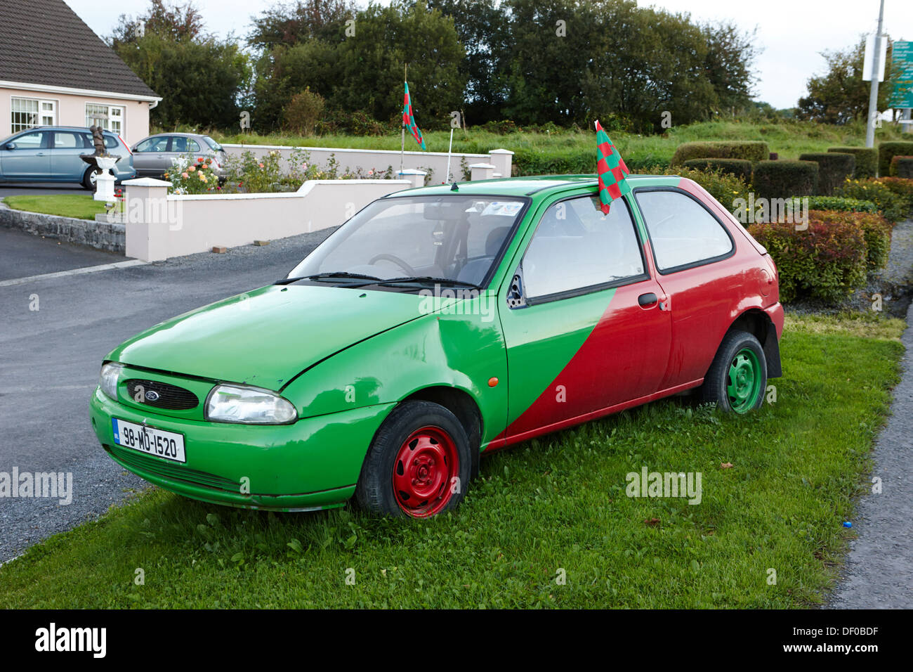 Old Ford Fiesta Car Painted In County Mayo Red And Green Gaa Colours
