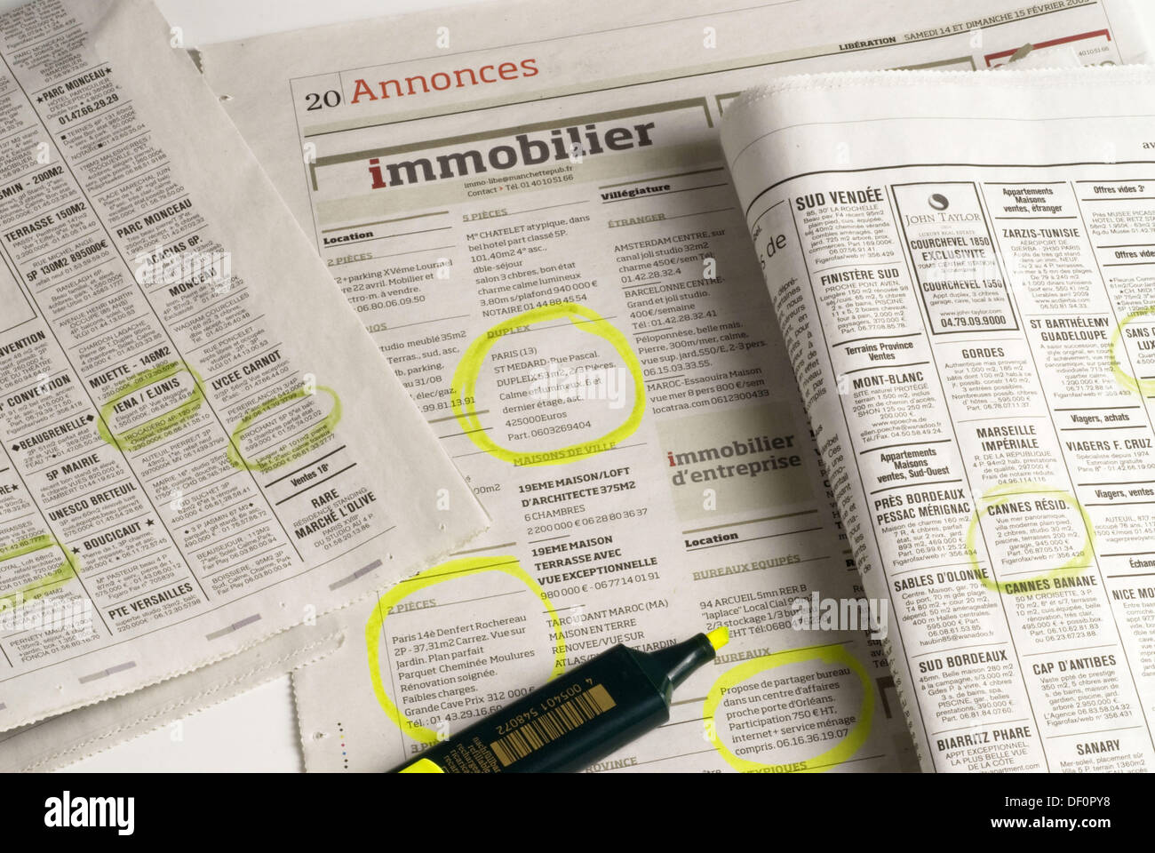 Newspapers. Classified ads. Real state. Jornaux. Annonces. Immobilier. - Stock Image