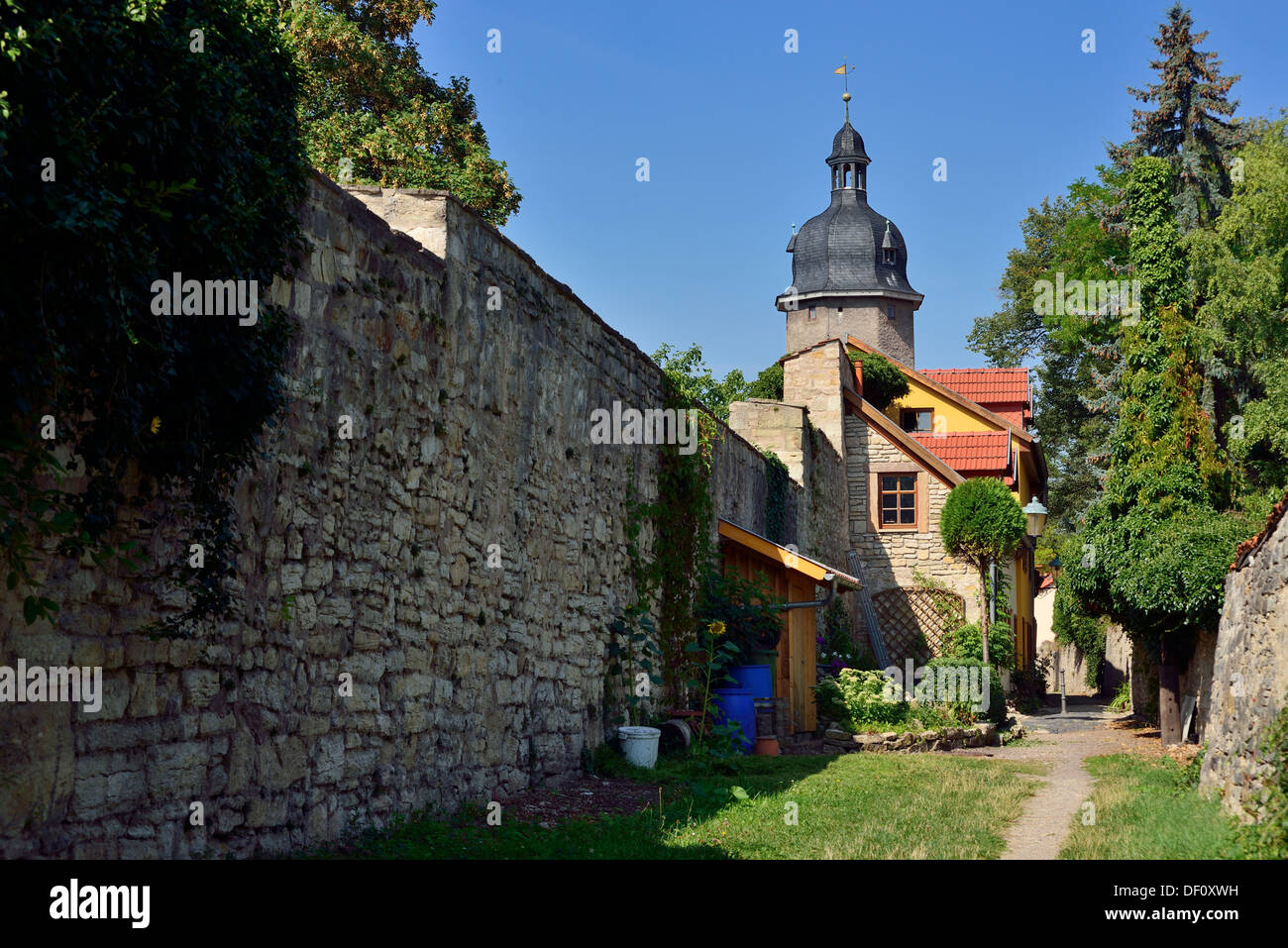 Town wall and new gate tower, Thuringia, Arnstadt, Stadtmauer und Neutorturm, Thueringen - Stock Image