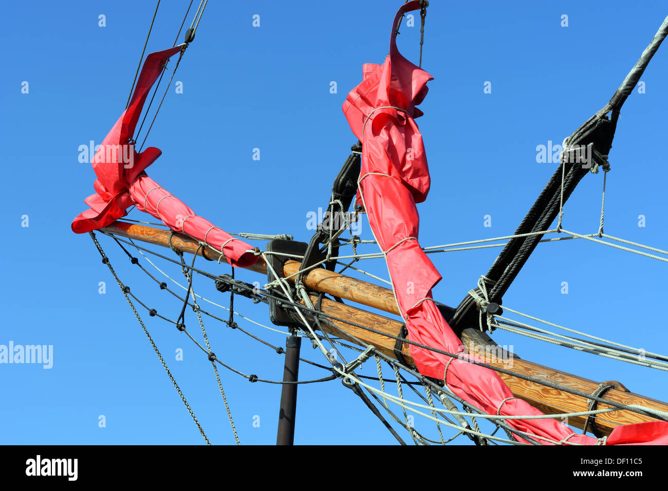 Bow Sprite, Earle of Pembroke, Tall Ship, Pirate Boat, Cowes, Isle of Wight, England, UK, GB. - Stock Image