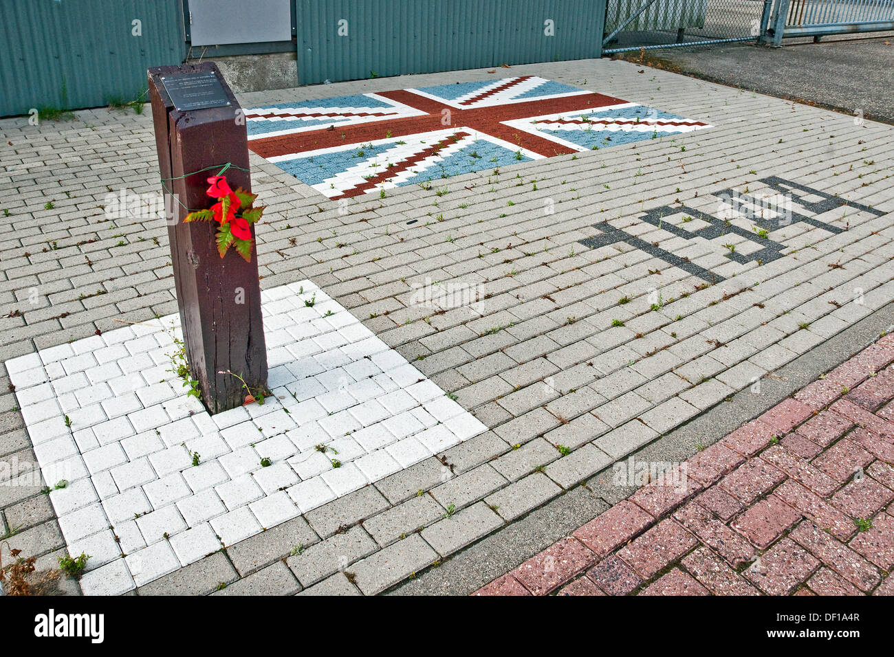 Memorial marks the actual spot where Wing Commander Guy Gibson VC and his navigator crashed and died in Steenbergen, Stock Photo