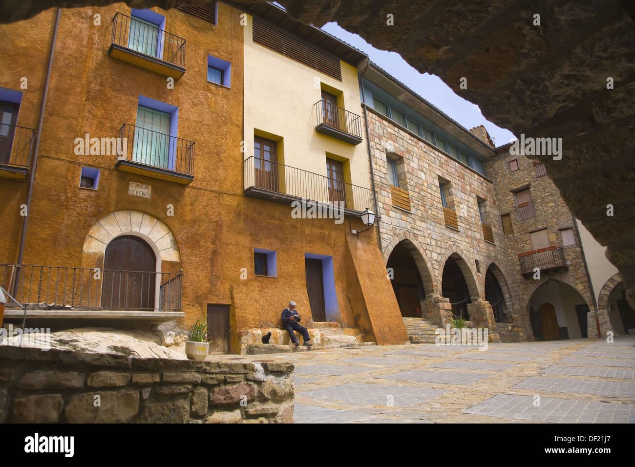 Main Square, Aren. Pyrenees Mountains, Ribagorza, Huesca province, Aragon, Spain - Stock Image