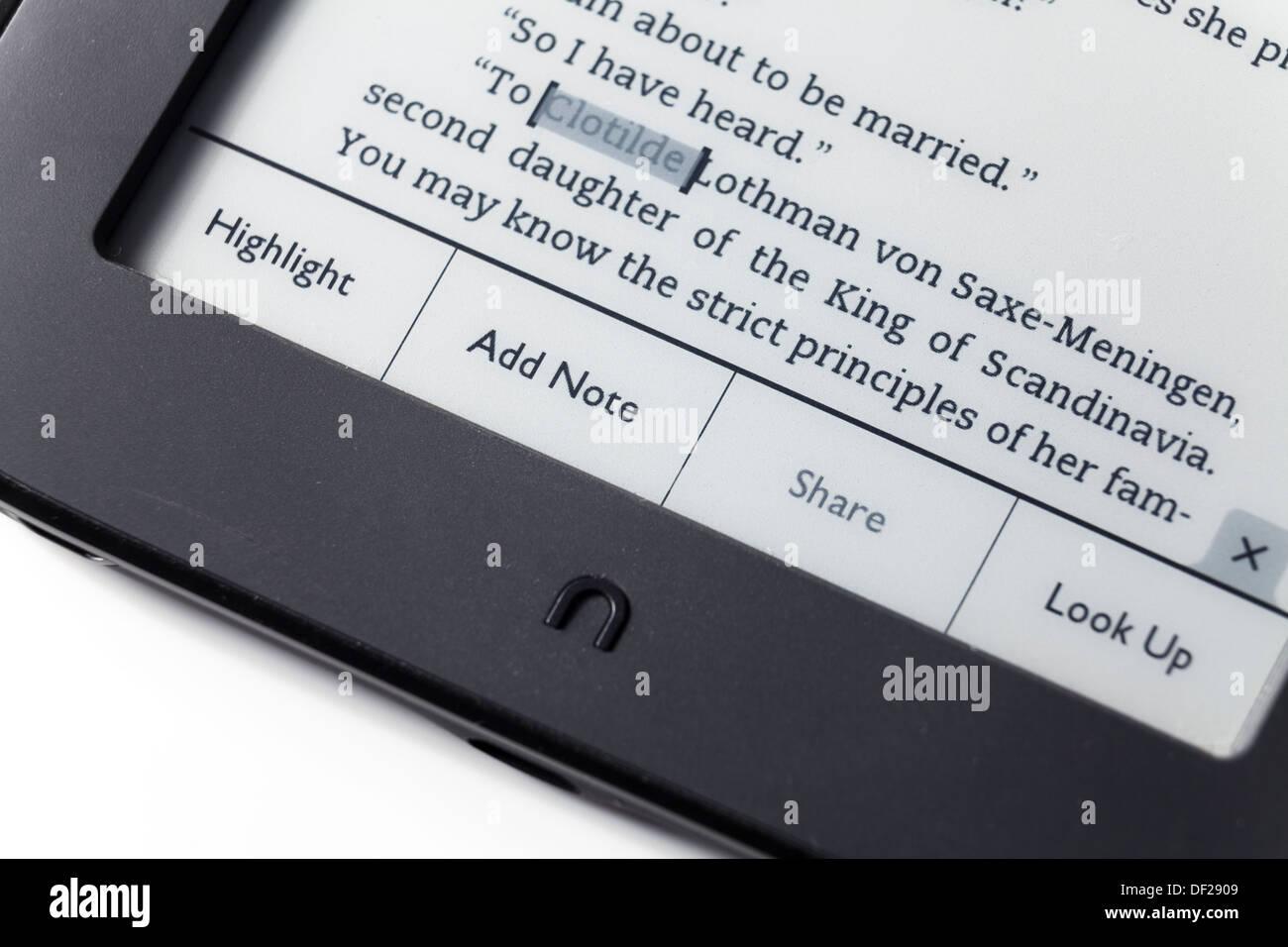 close up highlight add note menu on Nook EReader - Stock Image
