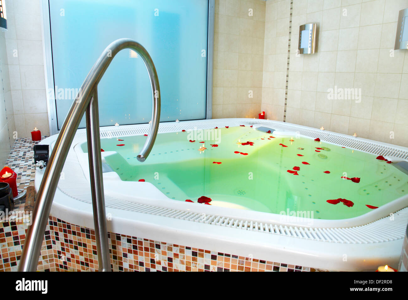 Bath of a jacuzzi with petals of roses Stock Photo: 60913252 - Alamy