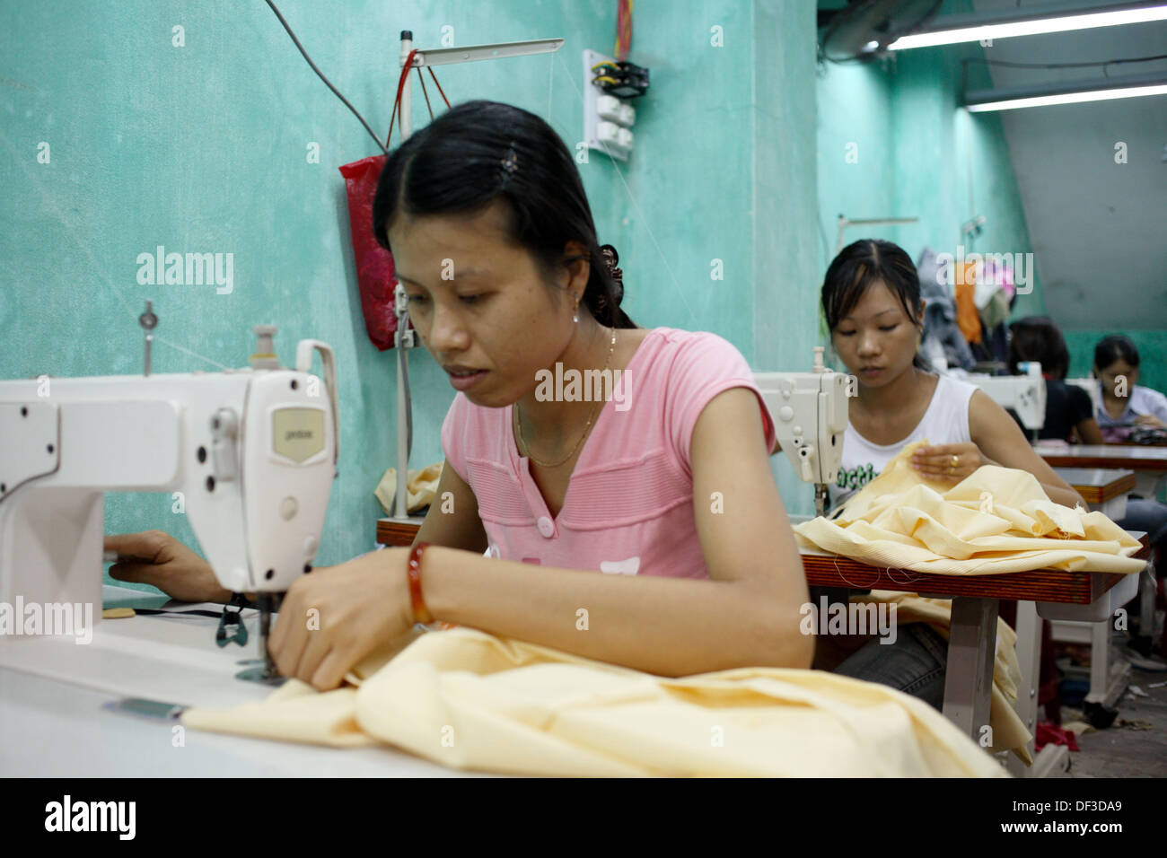 garment factory machinery small garment factory