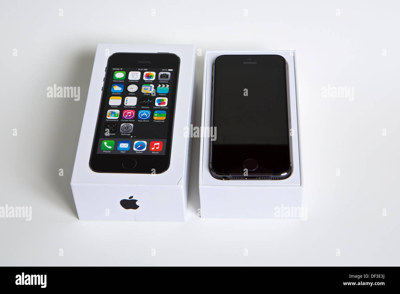 Apple iPhone 5S in packaging with box cover removed Stock Photo ... d574e009f4
