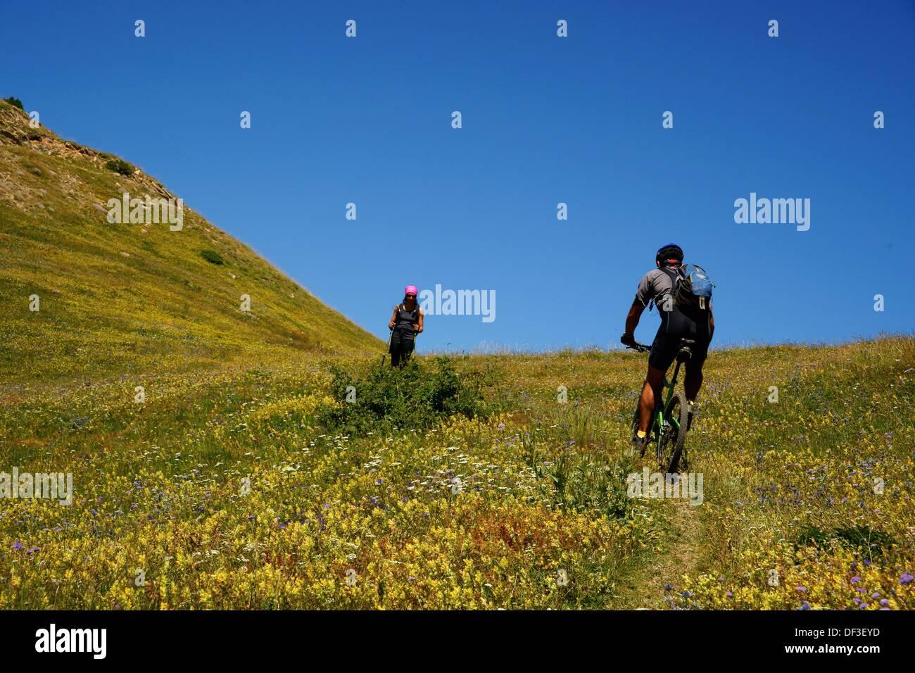 Cycling Punta del Pacino Valle de Tena Pyrenees Huesca Pyrenees Spain Stock Photo