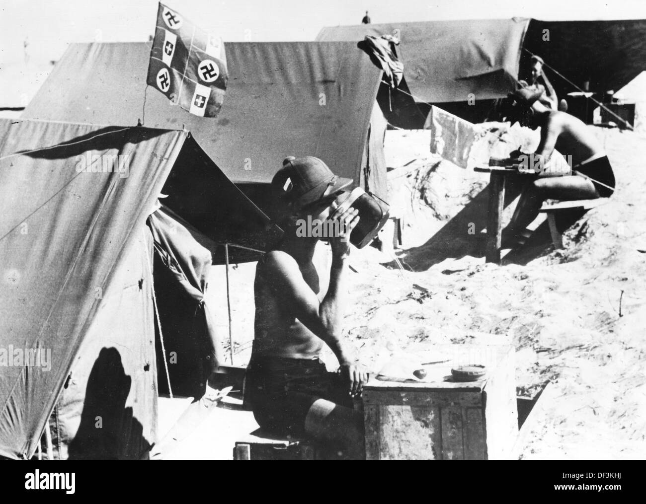 The image from the Nazi Propaganda! depicts soldiers of the German Wehrmacht in a tent city in Africa, published on 2 July 1942. Place unknown. Photo: Berliner Verlag/Archiv - Stock Image