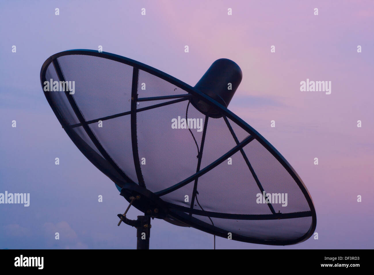 alone wireless wire wave urban tv transmiter television telecommunication technology station space solitude sky single simplicit - Stock Image