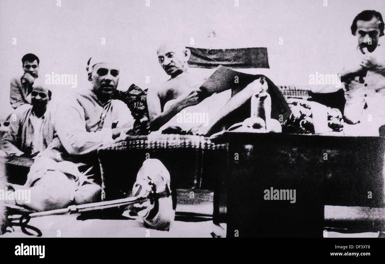 Mahatma Gandhi and Jawaharlal Nehru During Protest, Mumbai, India, July 8, 1942 - Stock Image