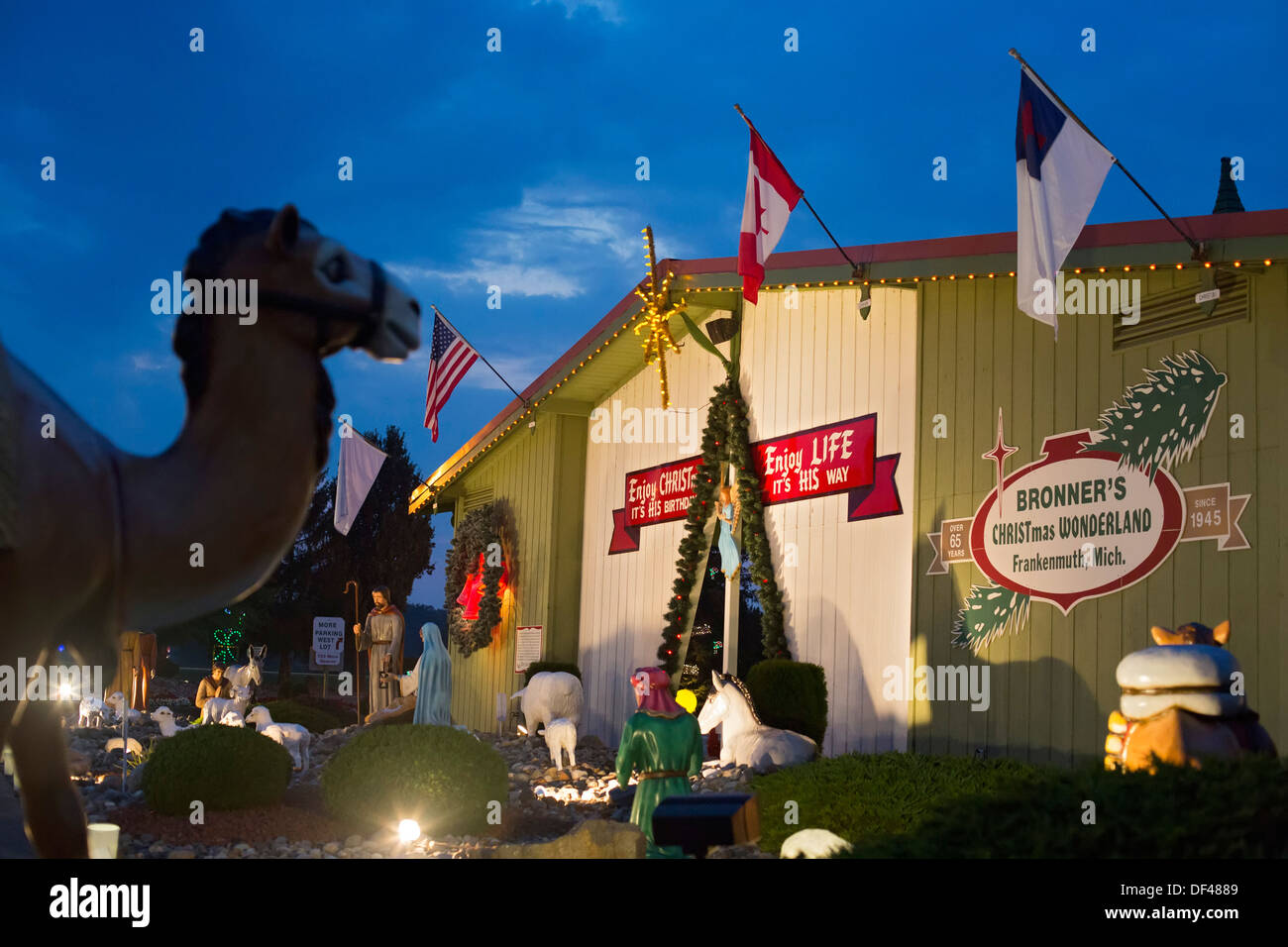 frankenmuth michigan bronners christmas wonderland the worlds largest christmas store stock - Worlds Largest Christmas Store