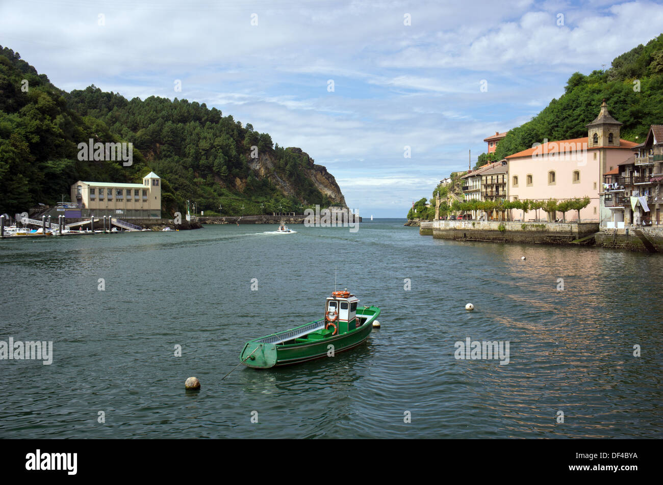 Pasaia, Basque Community, Spain, View of the fishing and touristical town of Pasaia (Pasajes, in Spanish) on the Cantabric Sea. - Stock Image