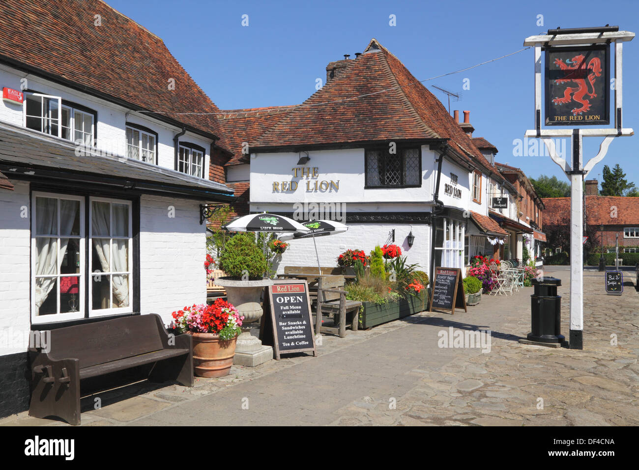 Biddenden, The Red Lion Pub and the Bakehouse Tea Rooms, Kent England Britain UK - Stock Image