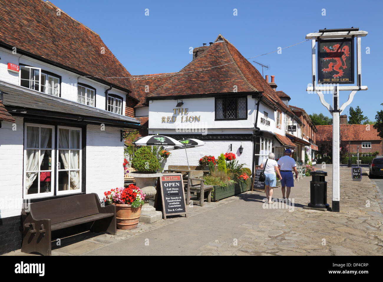 The Red Lion pub in Biddenden Village, Weald of Kent, England, UK, GB - Stock Image