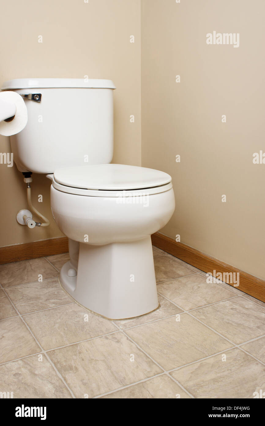 Toilet Tank Stock Photos Amp Toilet Tank Stock Images Alamy