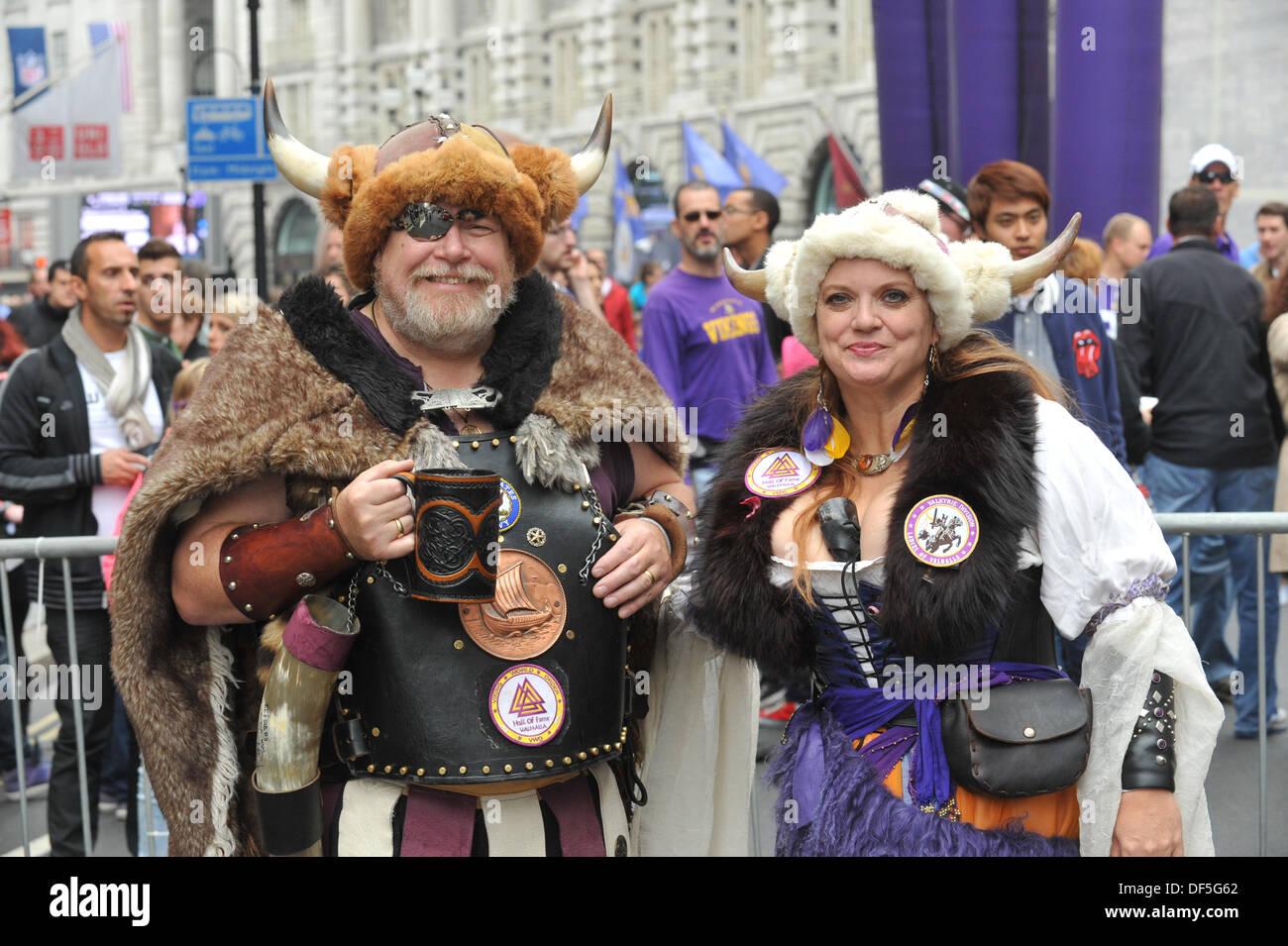 Regent Street London UK. 28th September 2013. Two fans of the Minnesota  sc 1 st  Alamy & Minnesota Vikings Fans Stock Photos u0026 Minnesota Vikings Fans Stock ...