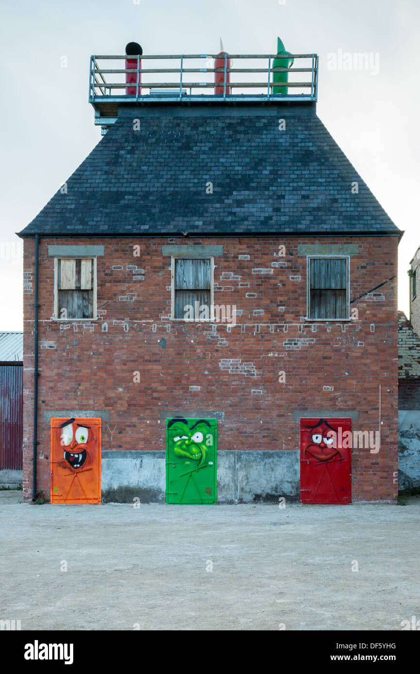 Hull Smokehouse with colourful doors - Stock Image