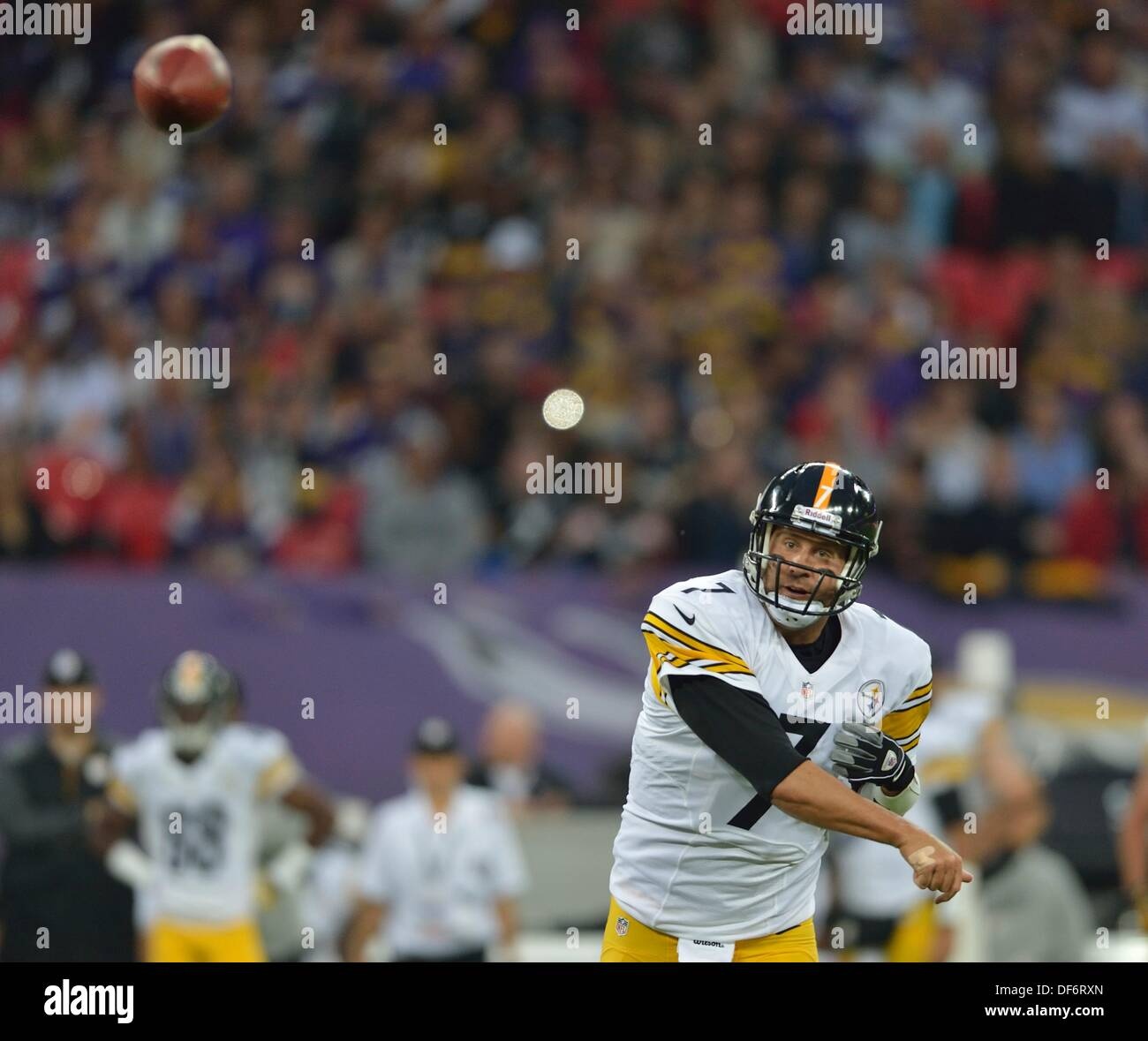 ac8607f0d79 Quarterback Ben Roethlisberger Pittsburgh Steelers Stock Photos ...