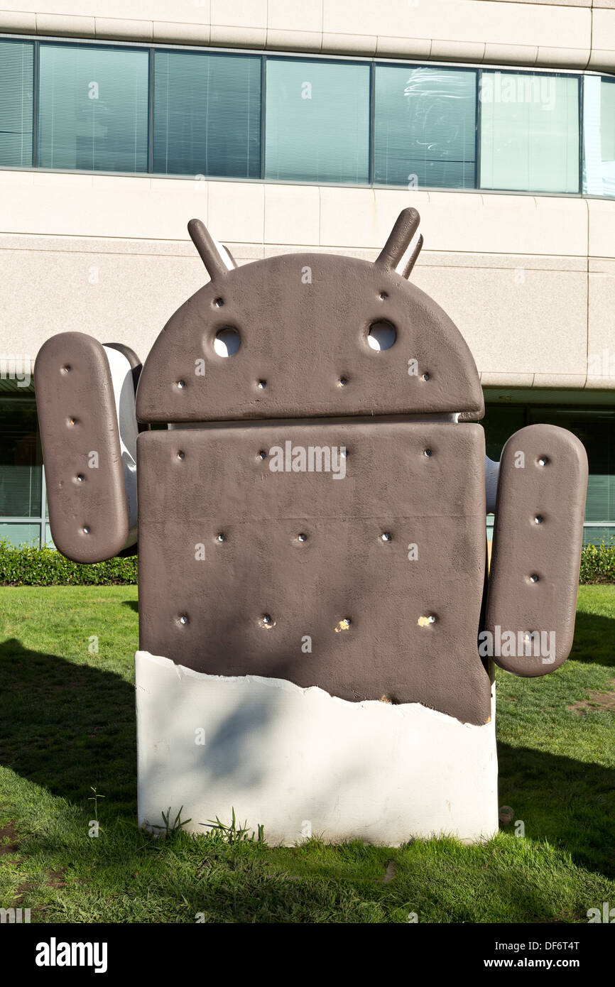 google android ice cream sandwich lawn statue at the googleplex