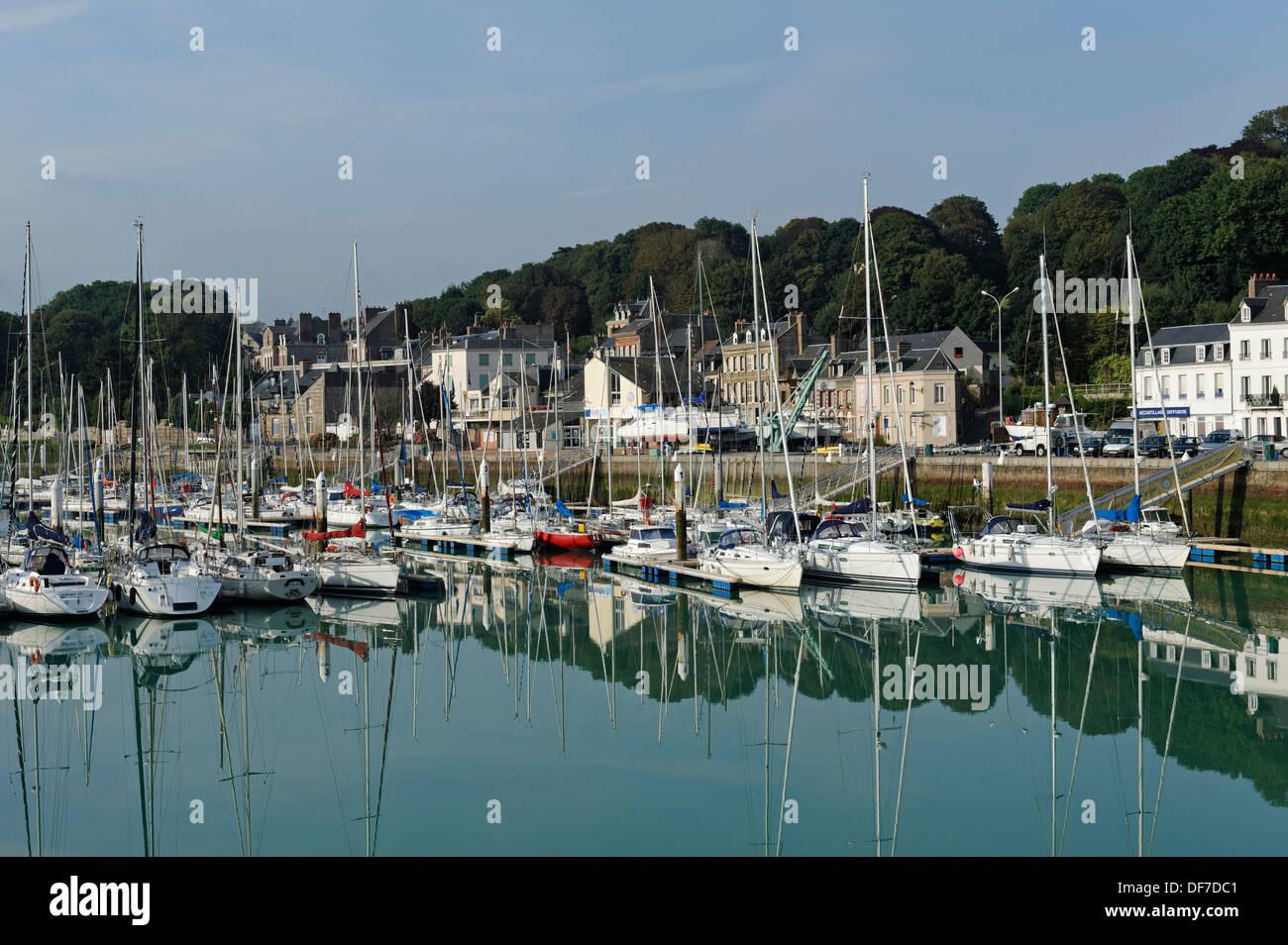Port of Saint-Valery-en-Caux, Saint-Valery-en-Caux, Département Seine-Maritime, Upper Normandy, France - Stock Image