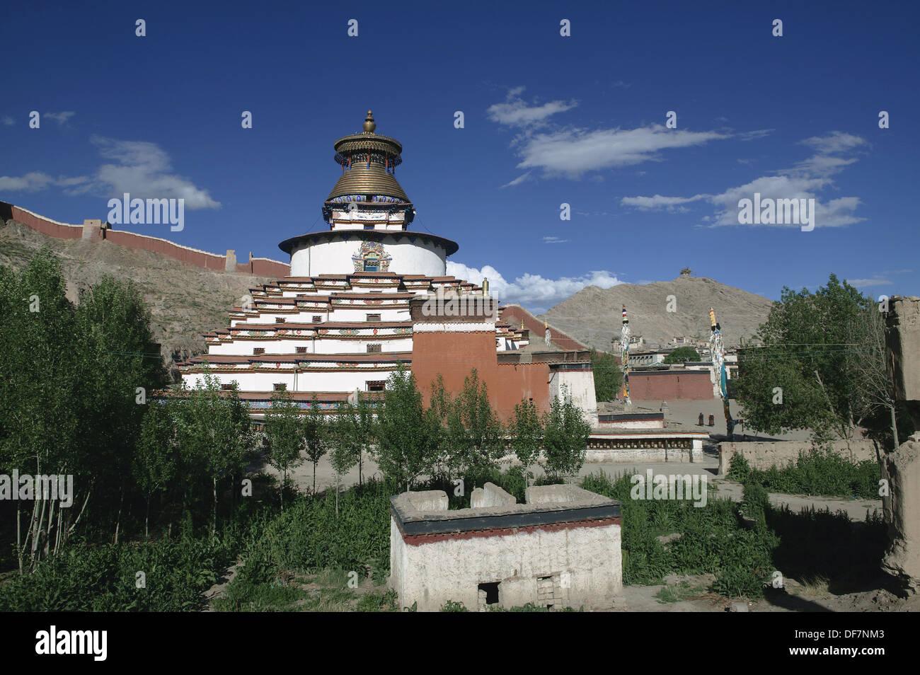 Kumbum stupa of the Pelkor Chode monastery, Gyantse. Tibet - Stock Image