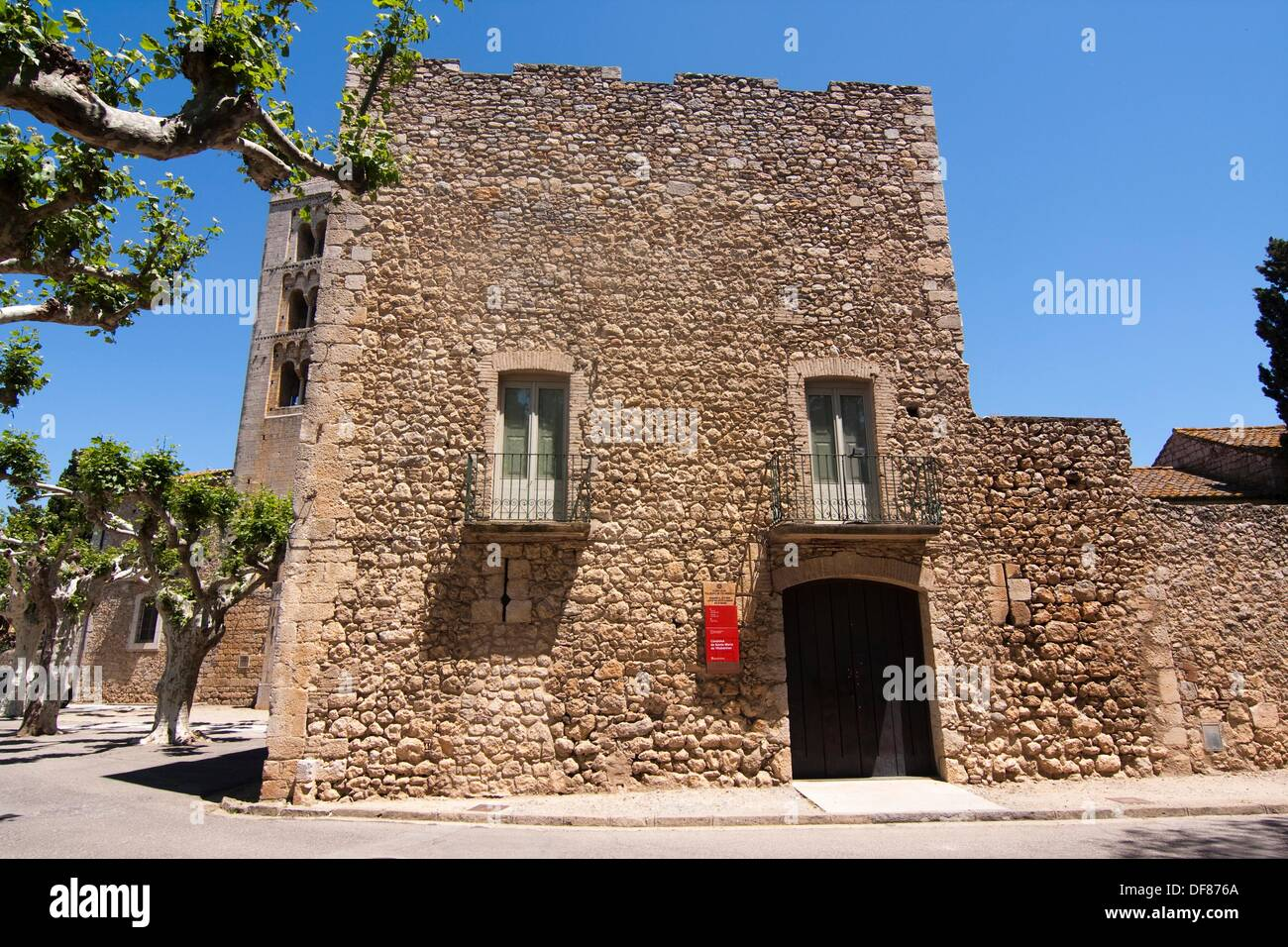 Santa Maria de Vilabertran´s canonical  XI century  Spain, Catalonia, Girona province, Alt Empordà, Vilabertran - Stock Image