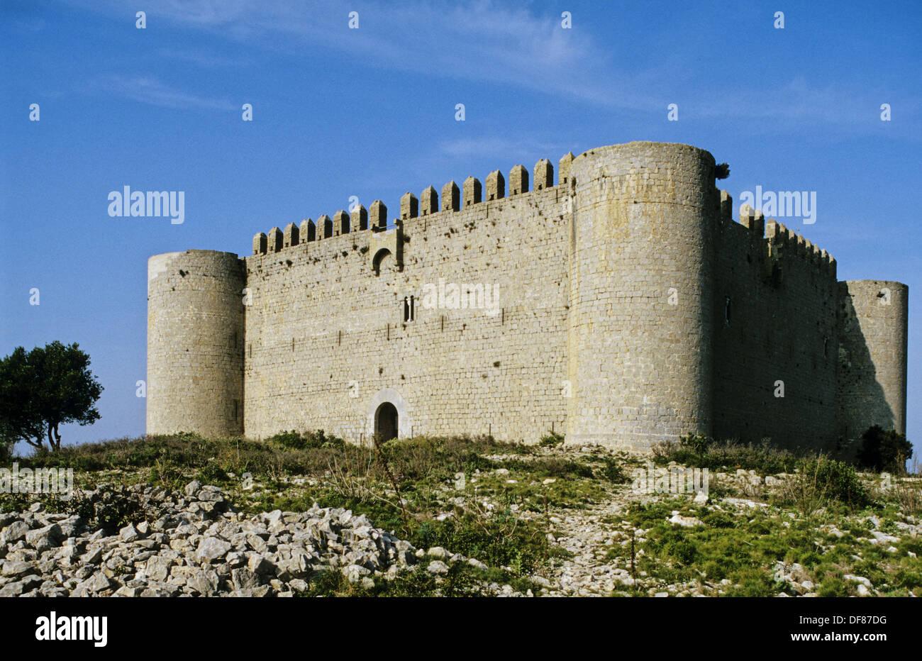 Castle (1294-1302), Torroella de Montgrí. Baix Empordà, Girona province, Catalonia, Spain - Stock Image