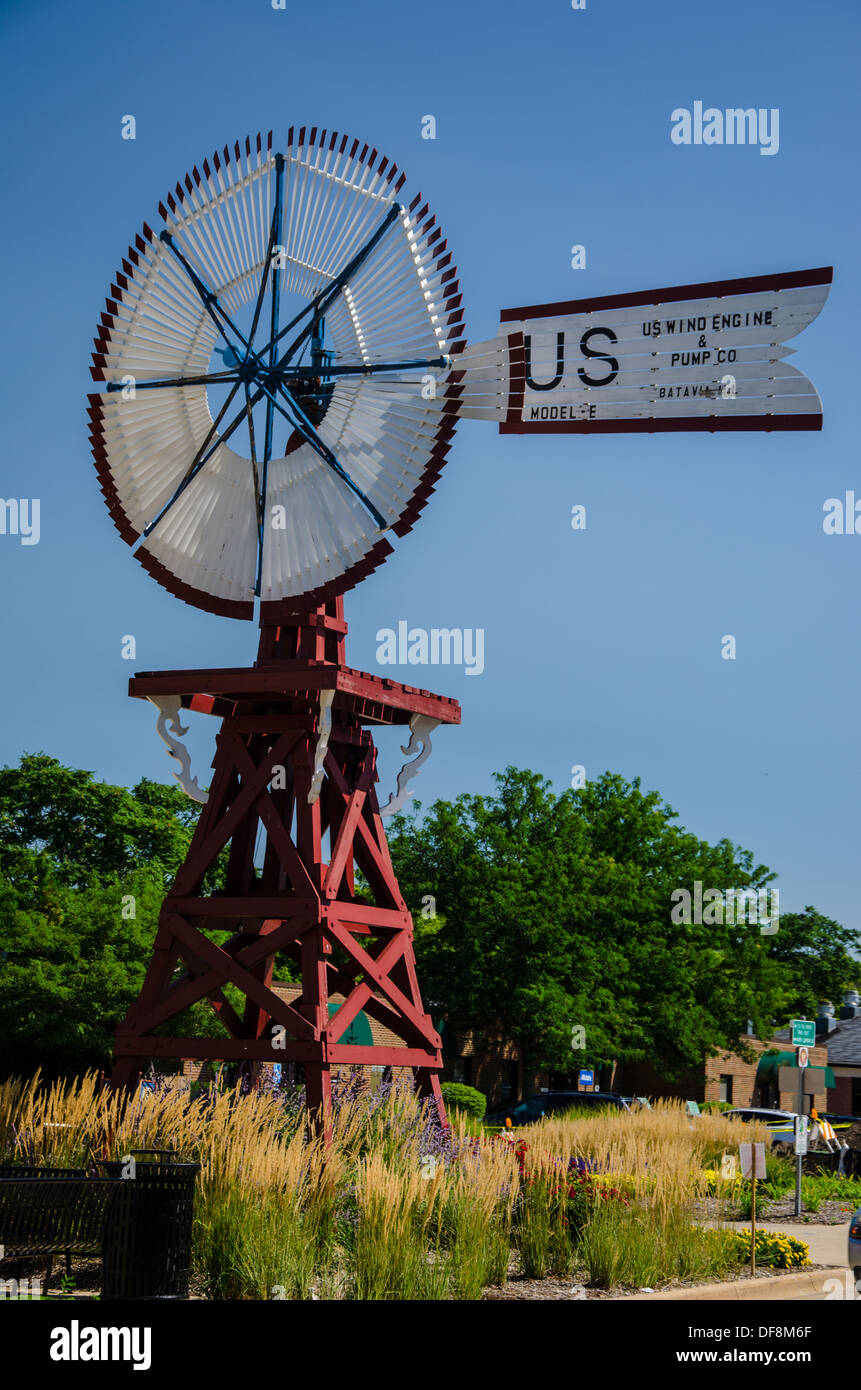 Windmill in Batavia, Illinois, 'the Windmill City,' along the Lincoln Highway. - Stock Image