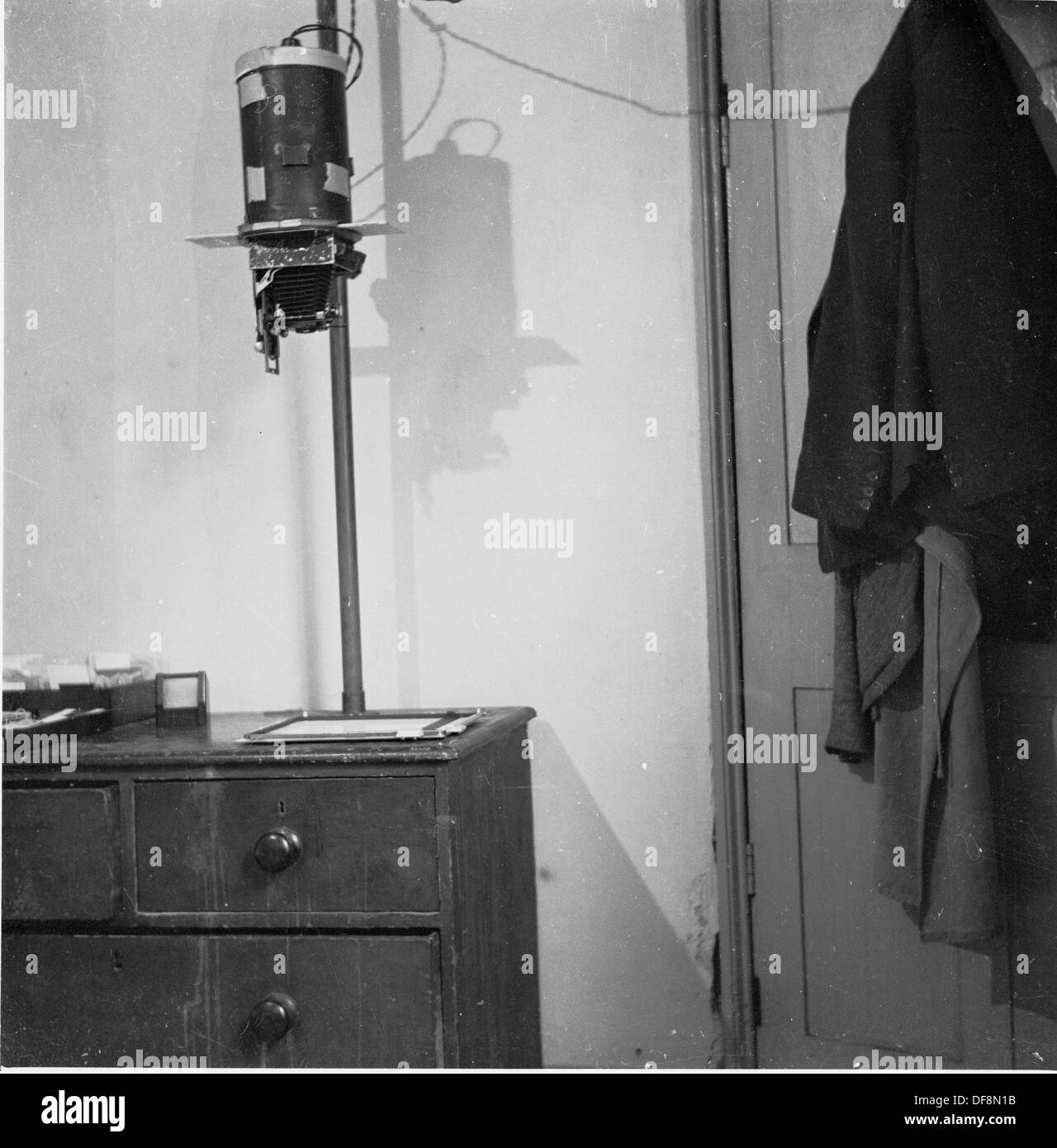 Historical,1950s, a rostrum camera mounted onto a rod and used for taking close up images. - Stock Image