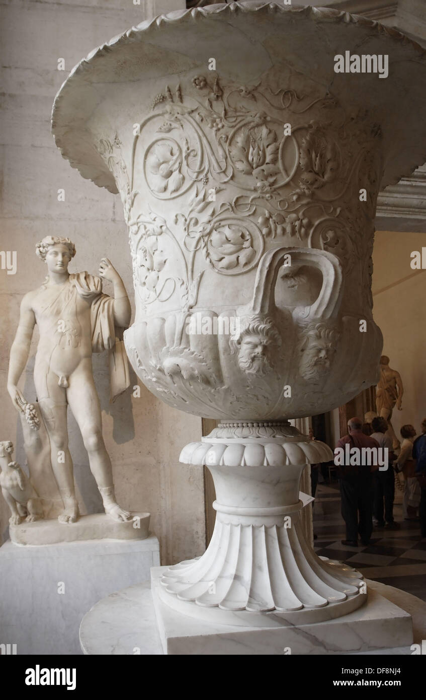 Detail of the Krater and statue of Dionysus in the background, Capitoline Museum, Rome, Italy - Stock Image