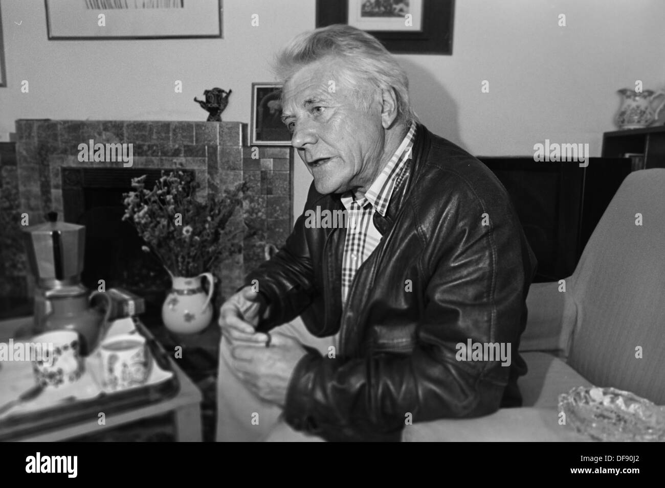 Archive photo: welsh radical marxist historian Gwyn Alf Williams at home in Drefach Felindre, Carmarthenshire, 1991 - Stock Image