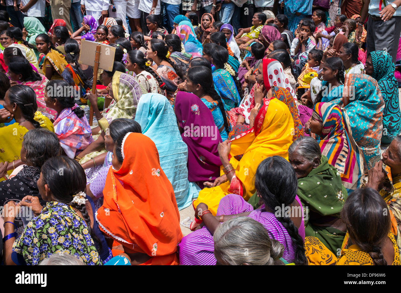 Indian women at a protest rally against against the creation of the new state of Telangana. Puttaparthi, Andhra Pradesh, India - Stock Image