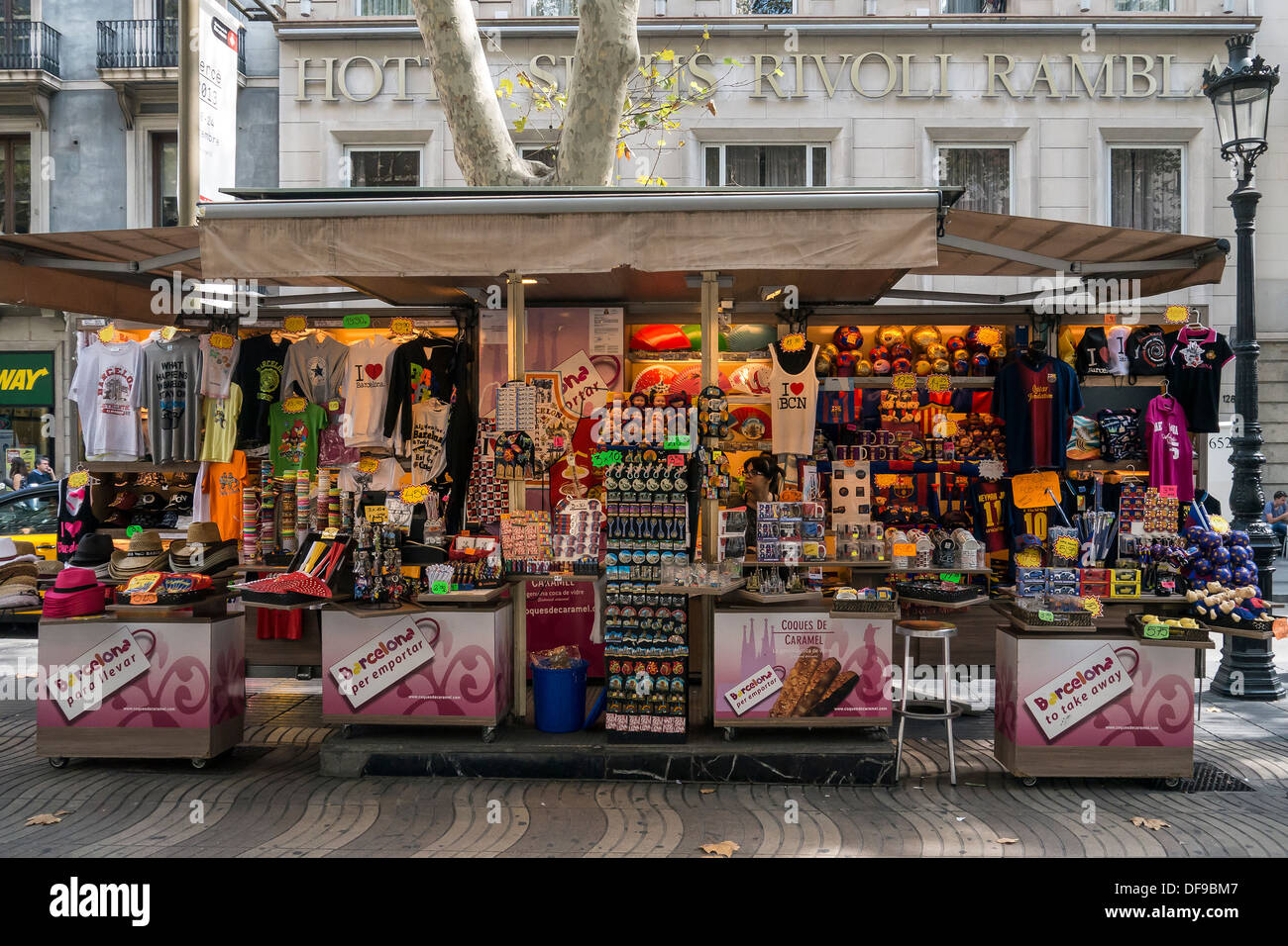 small tourist gift shop kiosk la rambla barcelona catalonia spain stock photo 61057703 alamy. Black Bedroom Furniture Sets. Home Design Ideas