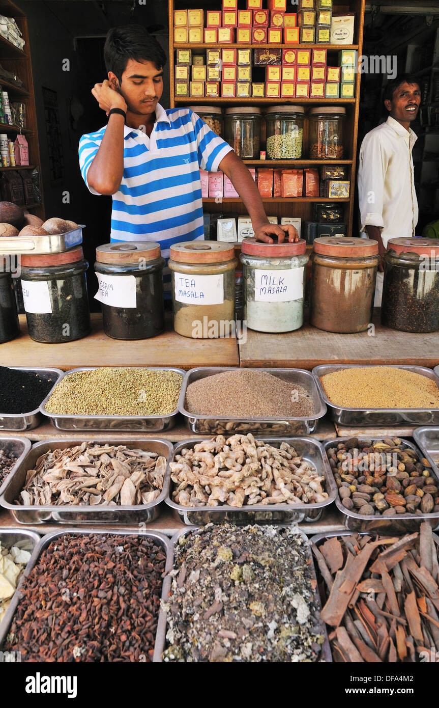 Indian Tea Shop High Resolution Stock Photography And Images Alamy