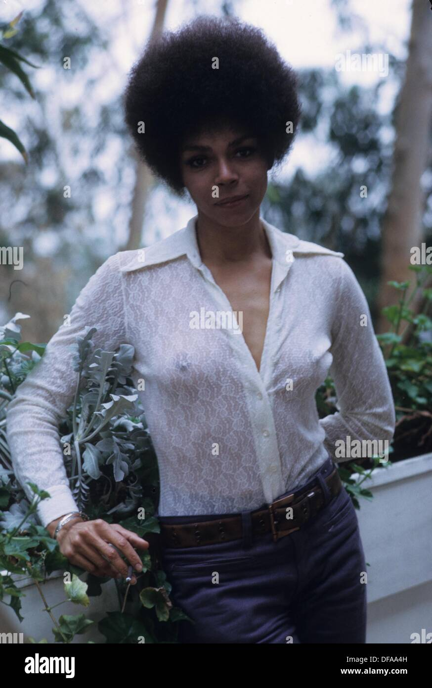 Rosalind Cash death