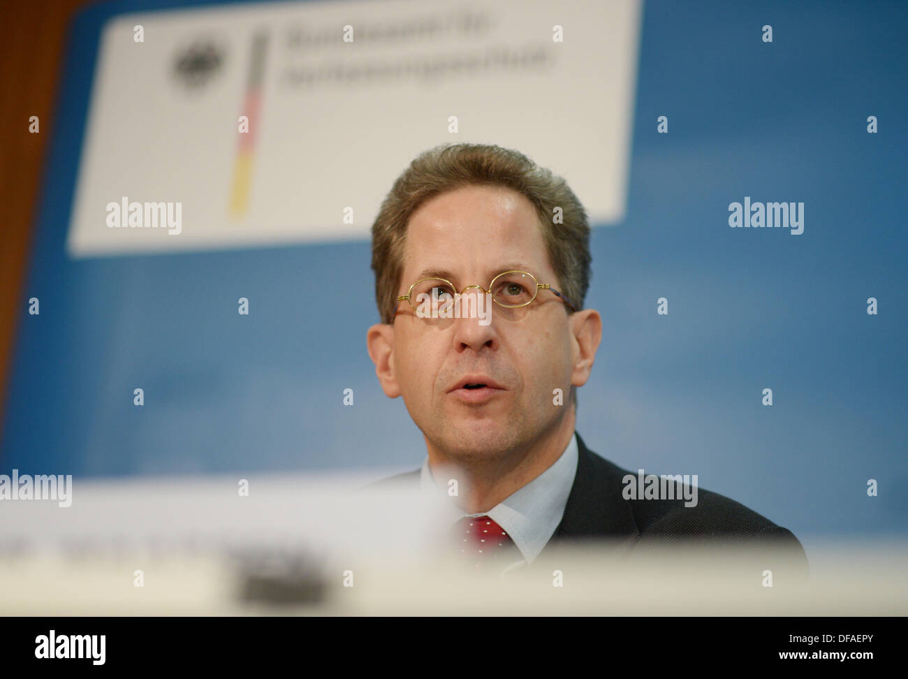 The president of the Federal Office for the Protection of the Constitution Hans-Georg Maaßen speaks at the Federal Press Conference about the history of the Federal Office for the Protection of the Constitution and it's connection to the NS past in Berlin, Germany, 01 October 2013. Photo: RAINER JENSEN - Stock Image
