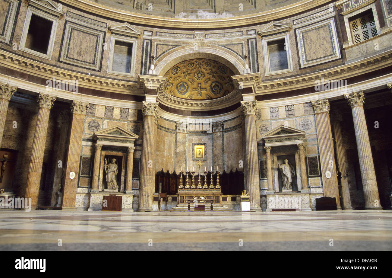 Interior of one of the best preserved ancient buildings in for Interior design roma