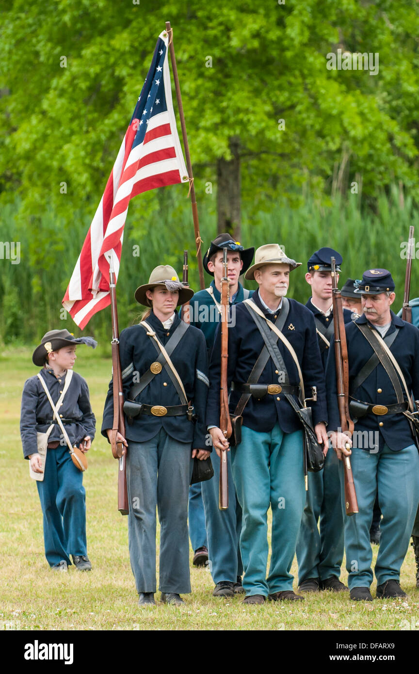 Union soldiers at the Thunder on the Roanoke American Civil War reenactment in Plymouth, North Carolina, USA. - Stock Image