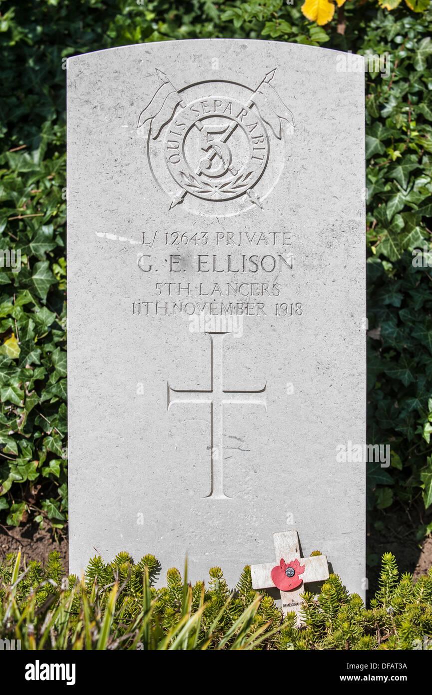 Grave of George Edwin Ellison, last British soldier killed in World War One, St Symphorien cemetery, Saint-Symphorien, Belgium - Stock Image