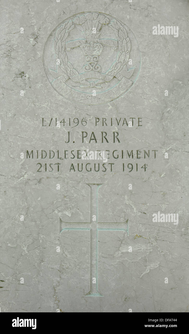 Grave of John Parr, first British soldier killed during First World War One, St Symphorien cemetery, Saint-Symphorien, Belgium - Stock Image