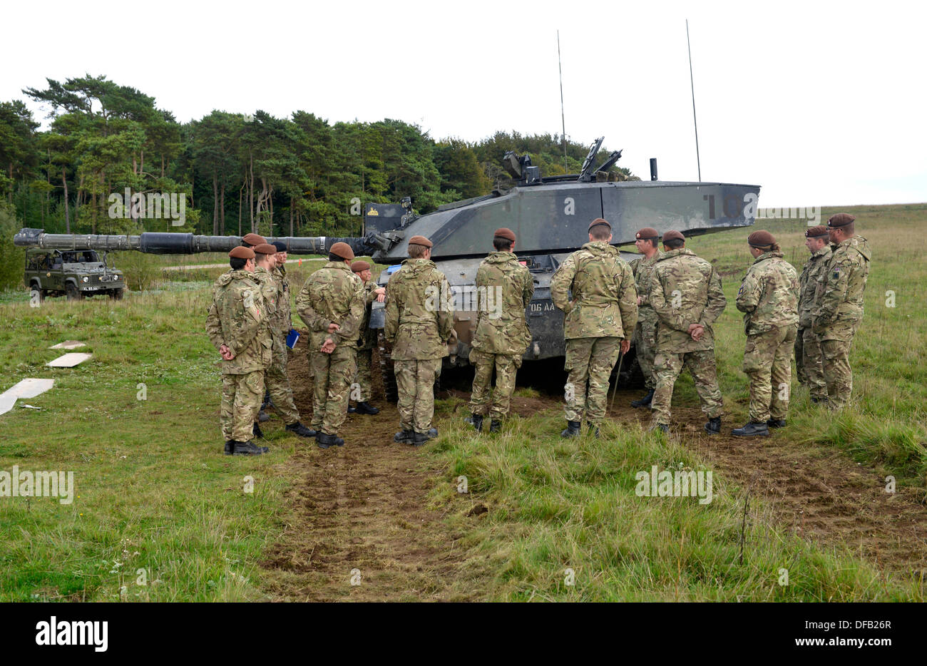 Challenger Mk ll battle tank. British Army reserve units training with the full time regular regiments, in this case the Royal Kings Hussars who are a tank regiment and operate Challenger Mk ll 60 tonne battle tanks. Salisbury Plain, UK - Stock Image