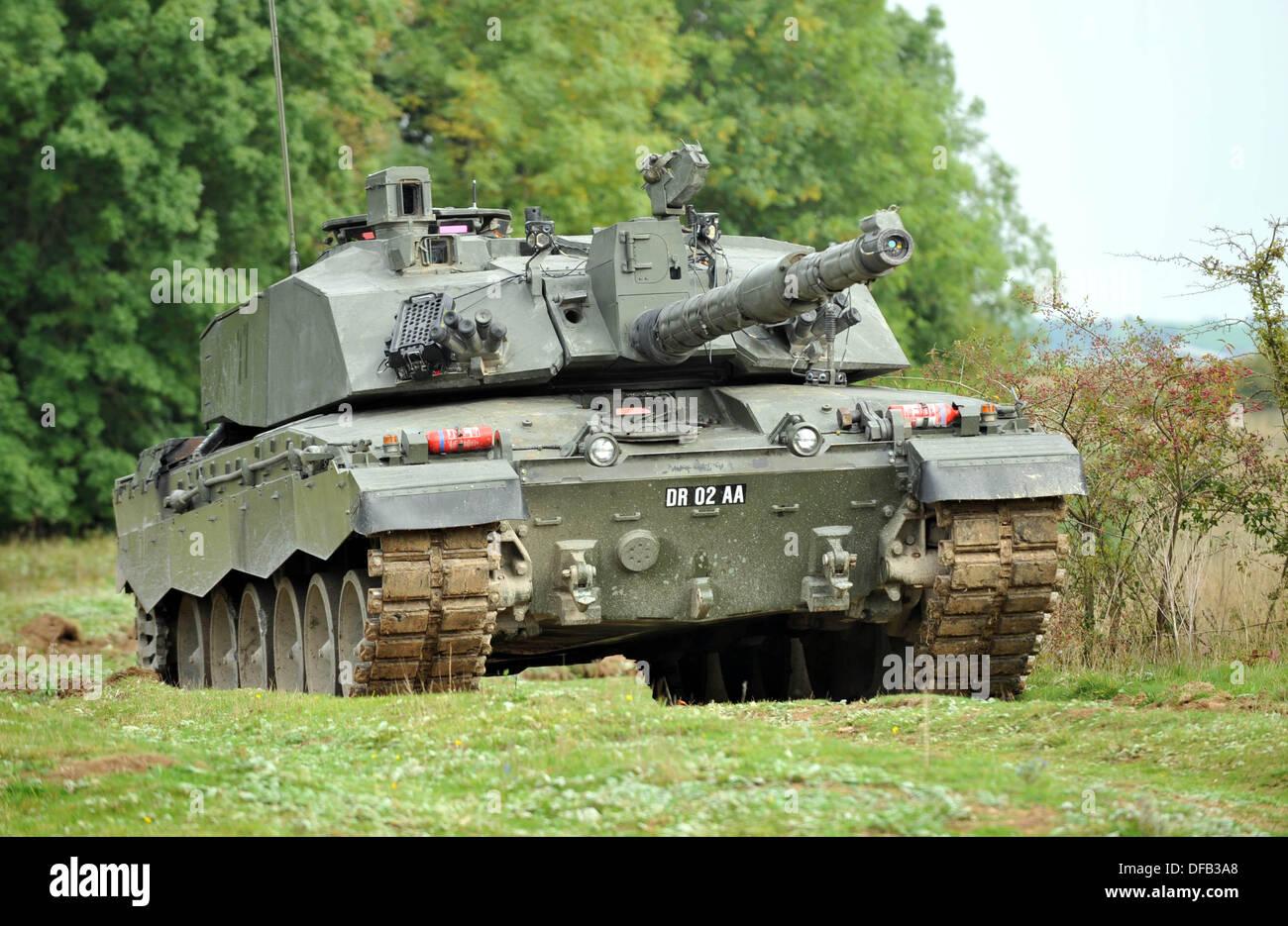 [Obrazek: challenger-mk-ll-battle-tank-british-arm...DFB3A8.jpg]