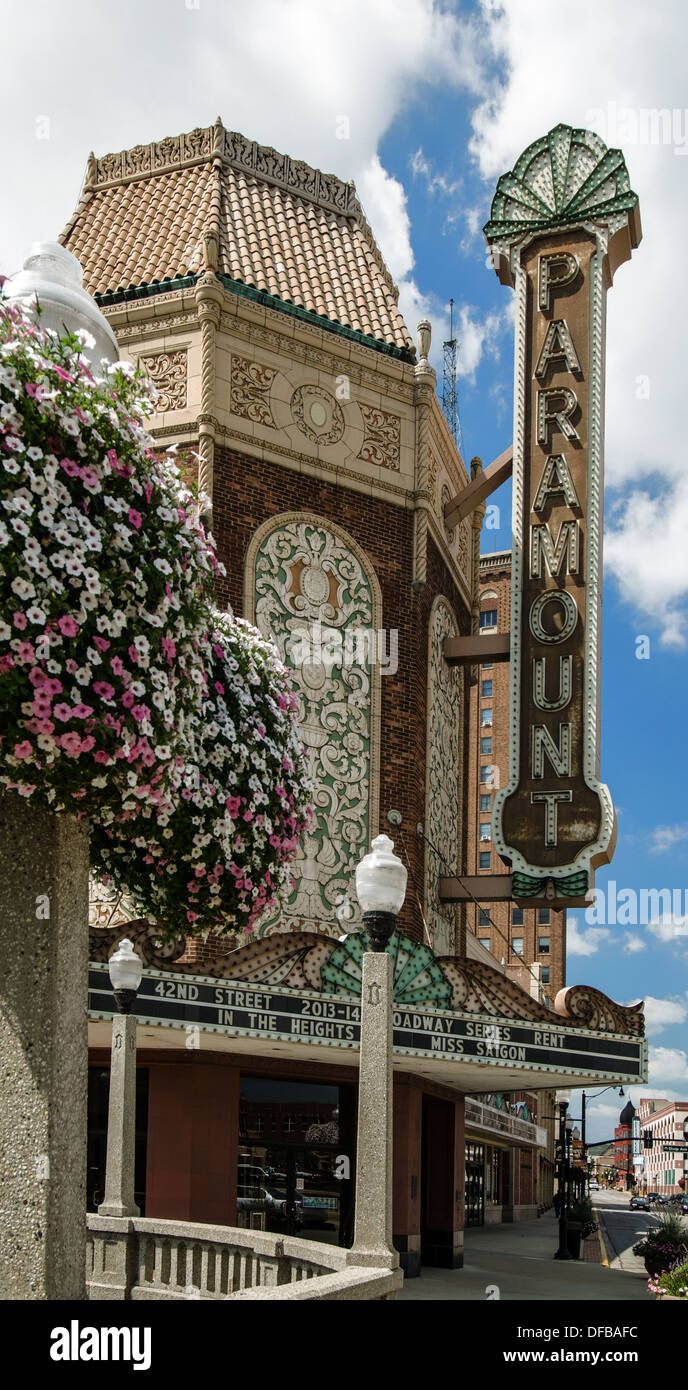 The Paramount Theater in Aurora, Illinois along the Lincoln Highway is on the National Register of Historic Places. - Stock Image